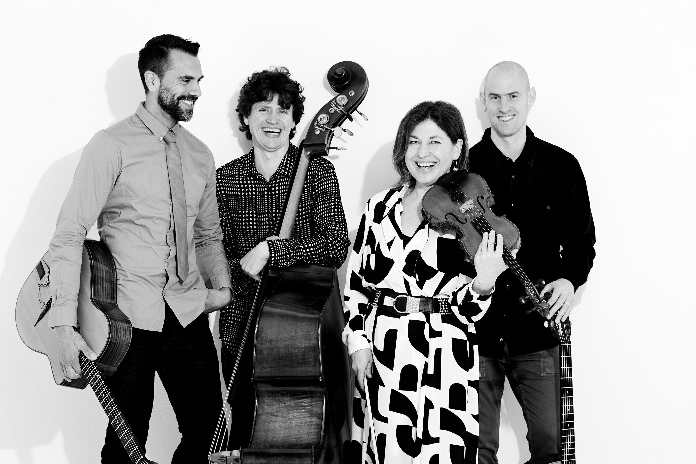 The Schmoozenbergs Music photography47071- Black & white